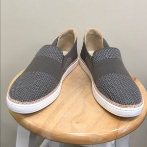 Women's Slate Sammy Sneaker 1016756 - UGG - 5